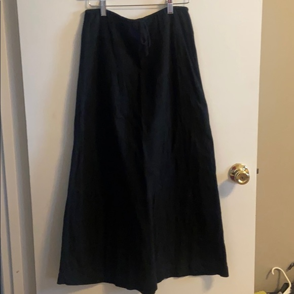 Banana Republic Dresses & Skirts - Black linen Banana Republic skirt